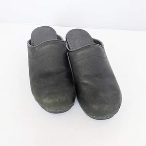 Sanity's Black Leather Clog Mules Women 39